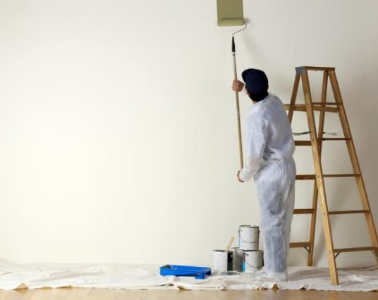 The Difference in Interior Paint Jobs and Exterior Paint Jobs